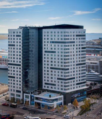 100 Pier 4 Apartments